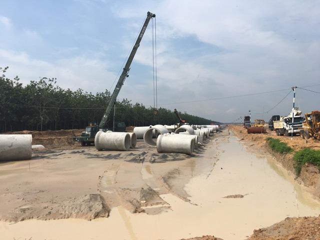 Cảnh báo thủ đoạn lừa bán gói thầu ảo ở dự án sân bay Long Thành - Ảnh 1.