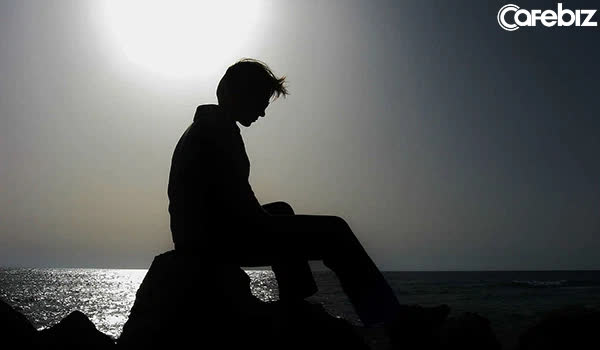 10 kiểu tính cách đặc trưng của người đàn ông bất tài vô dụng - Ảnh 1.