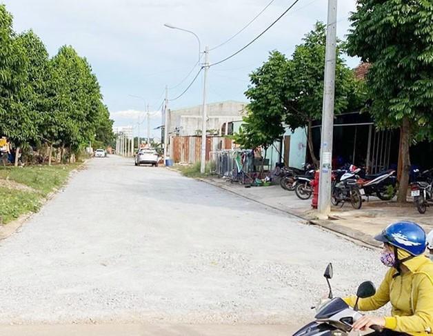 Khu dân cư giao đất không đấu giá bị 'tuýt còi', dân mua nhà 4 năm chưa có sổ  - Ảnh 2.