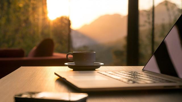 Khảo sát thói quen buổi sáng của hơn 300 người giỏi nhất trong vòng 5 năm và cái kết ngoài dự liệu: Thì ra đây là cách người thành công bắt đầu ngày mới  - Ảnh 2.