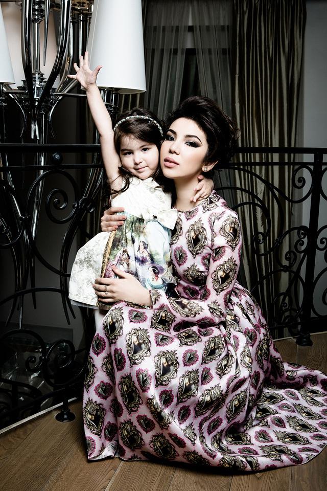 Cuộc sống sang chảnh của cháu dâu tỷ phú giàu nhất nước Nga: Mệnh danh công chúa không ngai, 2 lần kết hôn sinh con được ví như thiên thần nhưng thị phi bủa vây tứ phía - Ảnh 12.