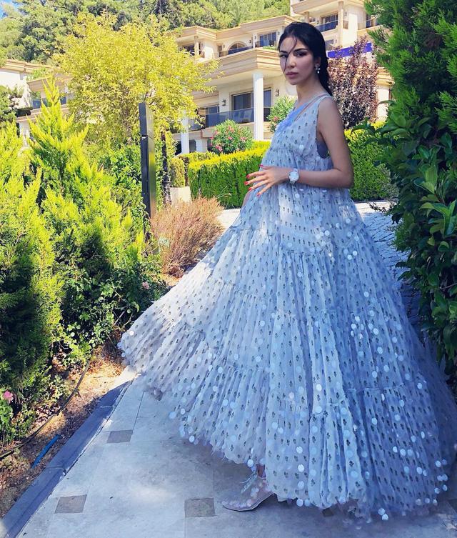 Cuộc sống sang chảnh của cháu dâu tỷ phú giàu nhất nước Nga: Mệnh danh công chúa không ngai, 2 lần kết hôn sinh con được ví như thiên thần nhưng thị phi bủa vây tứ phía - Ảnh 19.