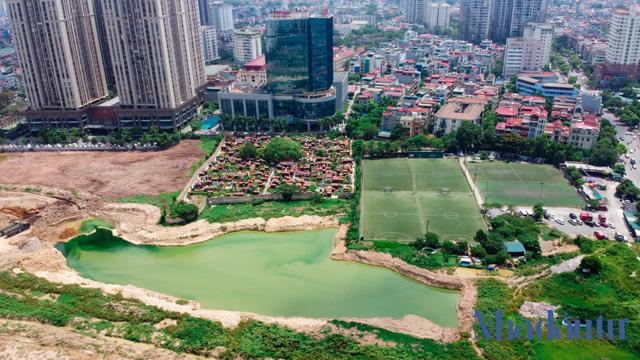 Hà Nội: Đất dự án công viên hồ điều hoà 1.600 tỷ đồng hóa sân bóng, bãi đỗ xe - Ảnh 9.